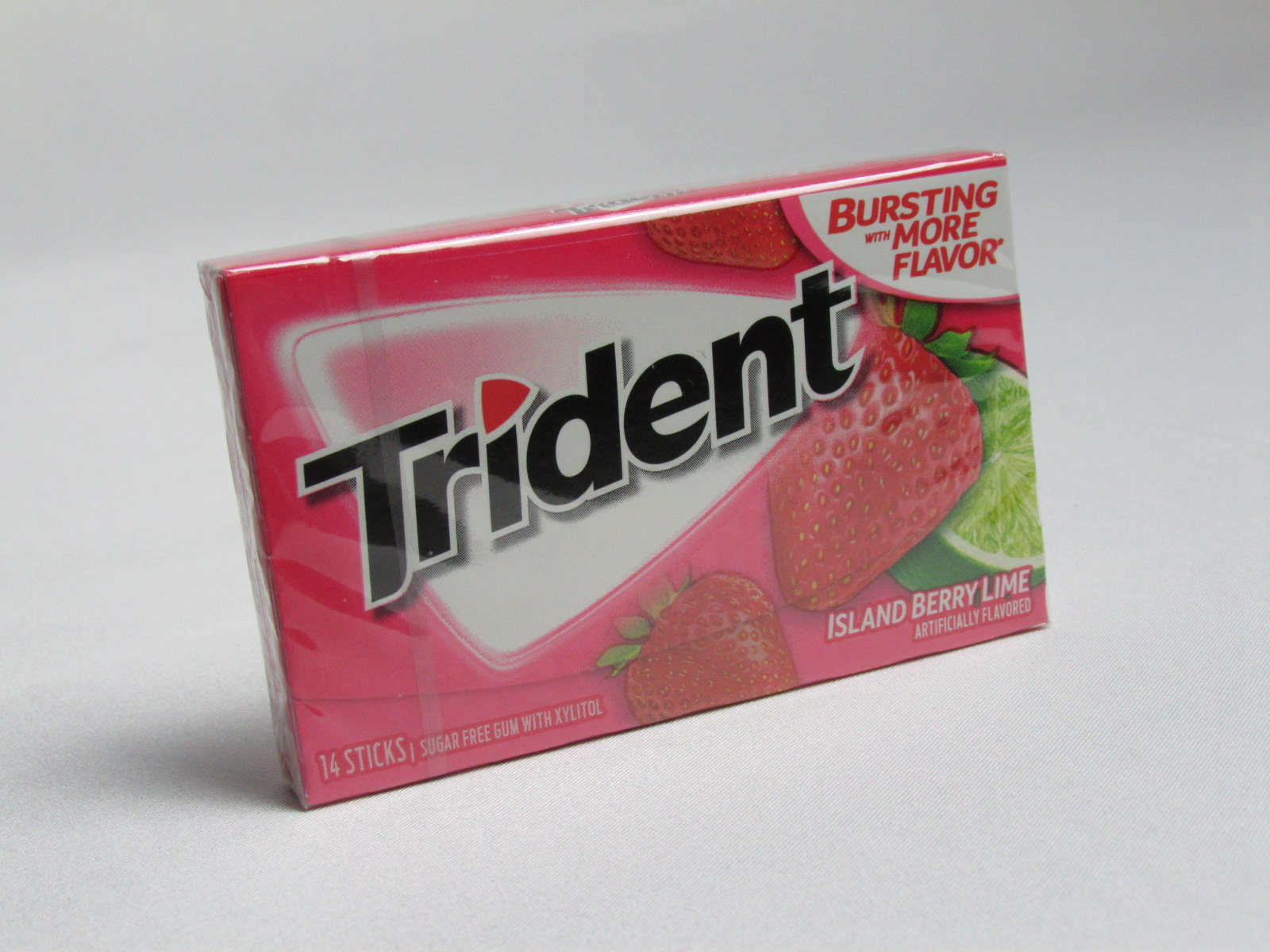 0012546011600 - TRIDENT TROPICAL SLAND BERRY LIME 26,6G