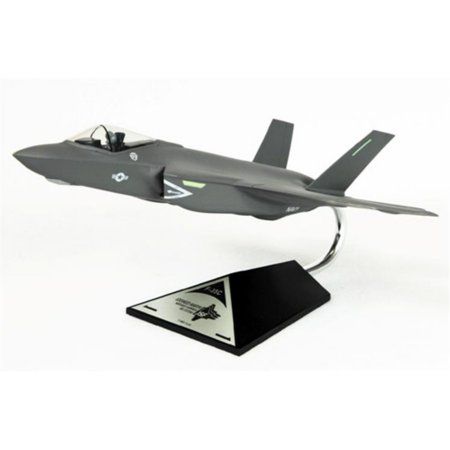 0080957963610 - CARRIER VERSION F-35C USN 1 48 SCALE AIRCRAFT