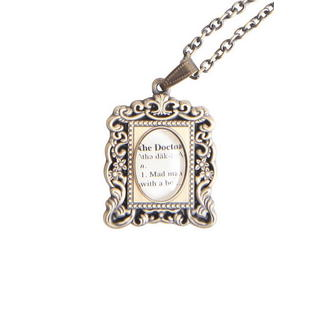 0839546725982 - DOCTOR WHO ANTIQUE FRAME NECKLACE